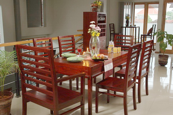 Mahogany wood furniture at the galleria for Comfortable dining room ideas